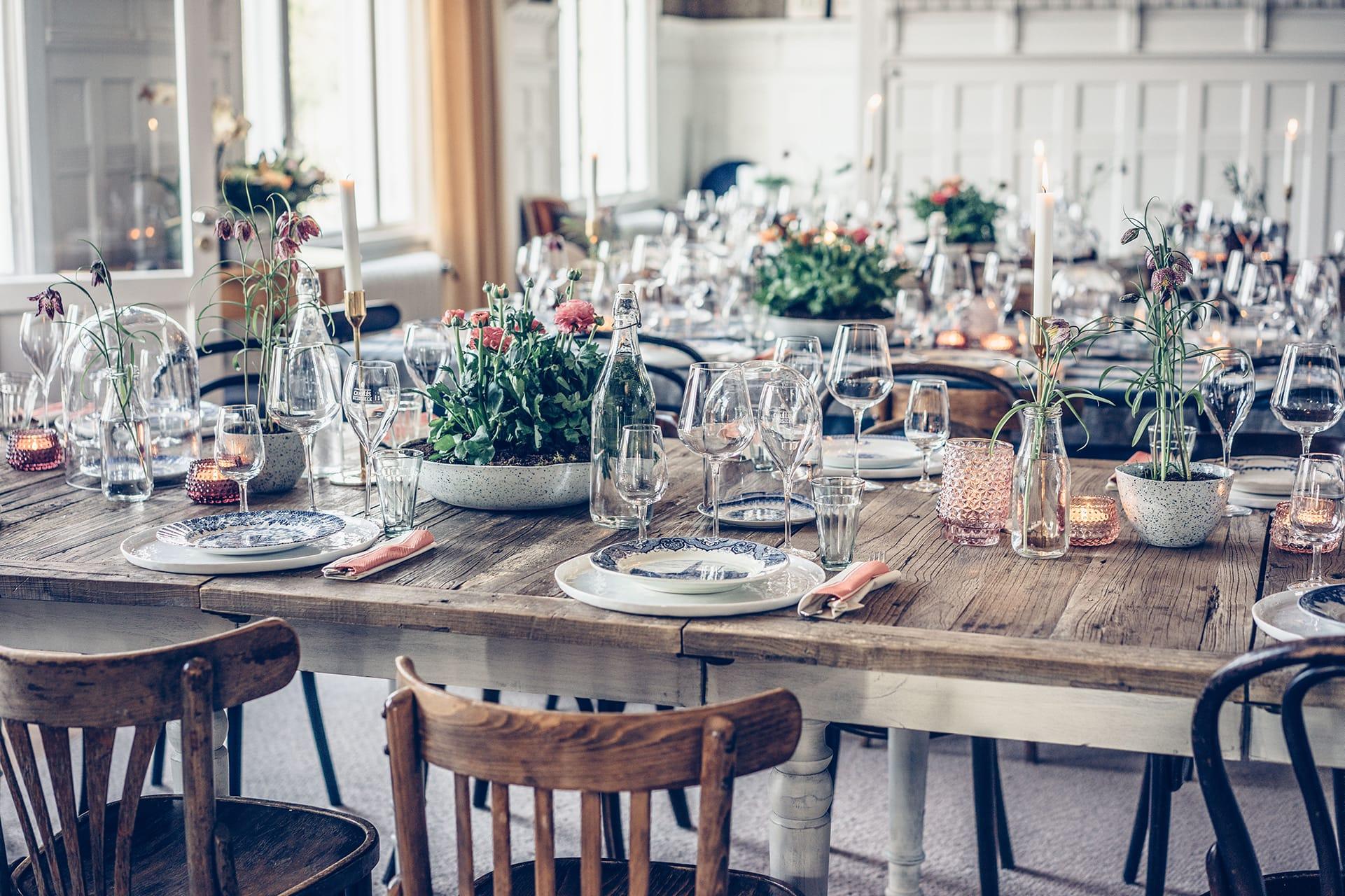 Uppdukade bord Villa Strömsfors