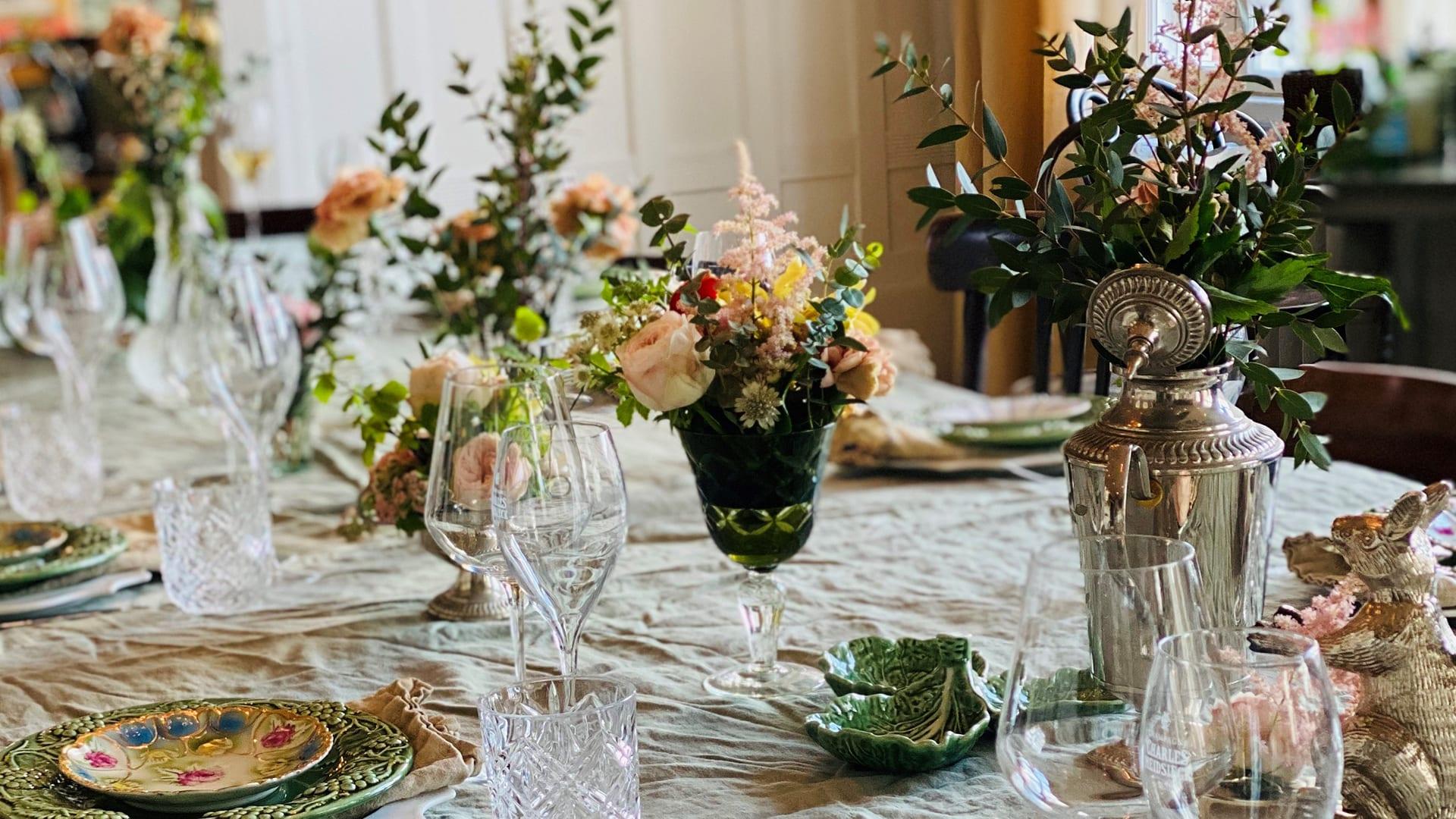 Blommig dukning Villa Strömsfors